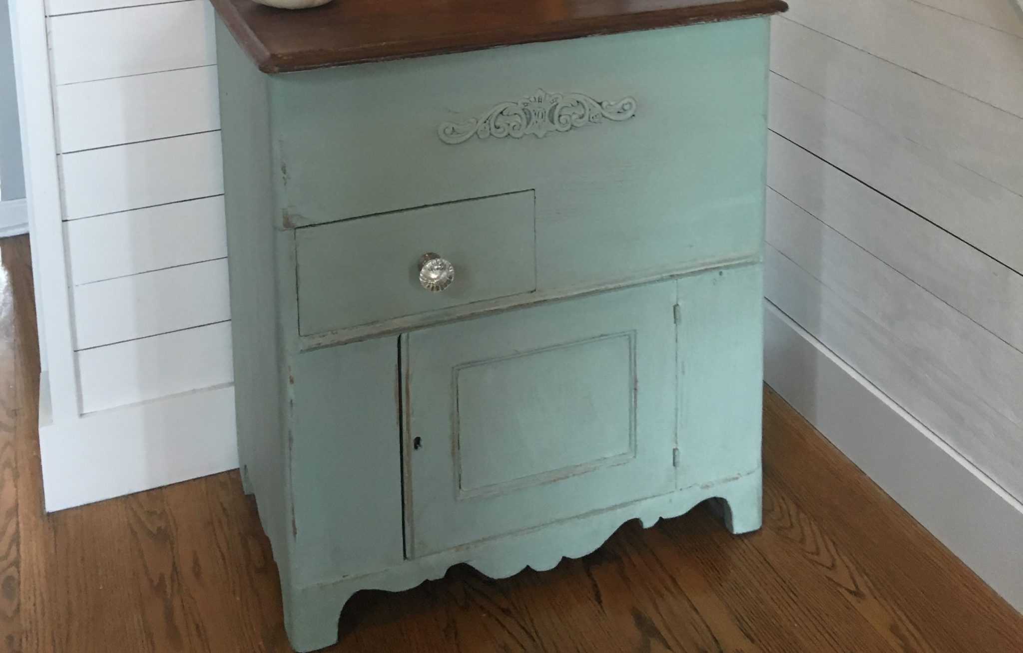 Milk Paint Makeover at the Centsible Chateau Blog
